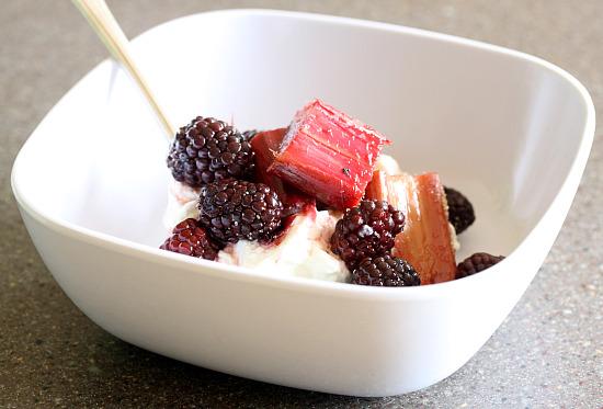 blackberryrhubarbbake1