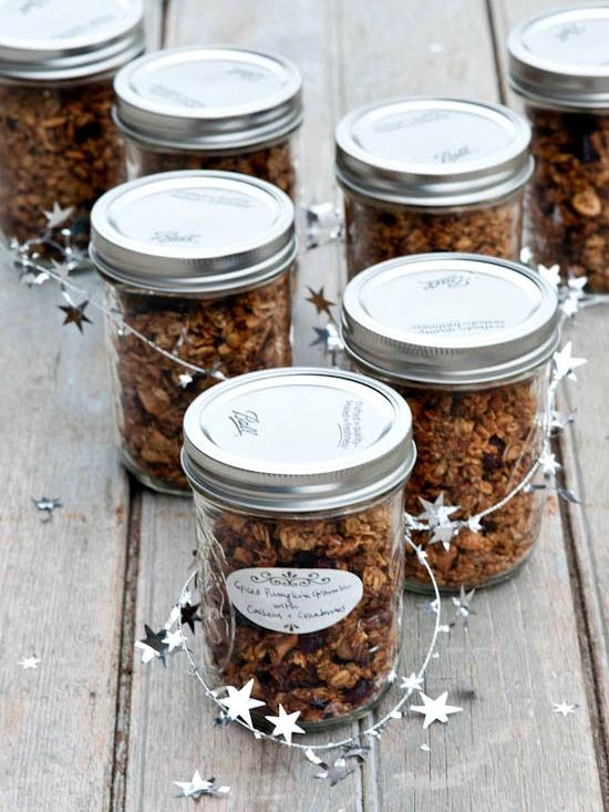 pumpkin cashew granola | www.healthygreenkitchen.com