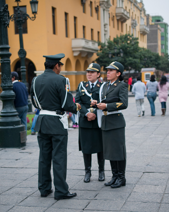 Lima police women // Healthy Green Kitchen