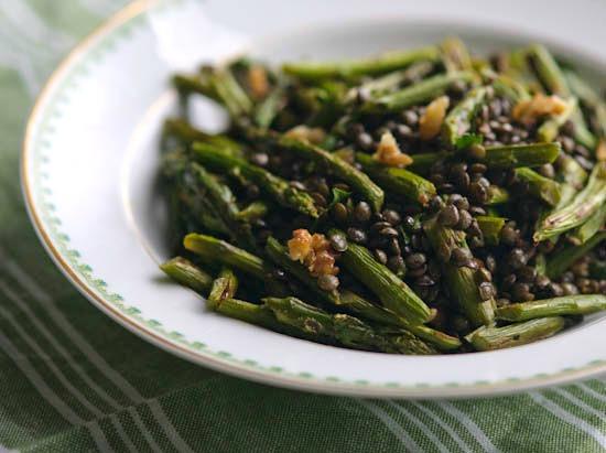 Roasted Asparagus Bowl from @winnieab | www.healthygreenkitchen.com